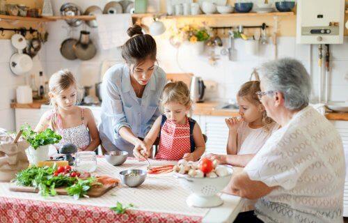 bigstock Family Are Cooking Italian Piz 287653642